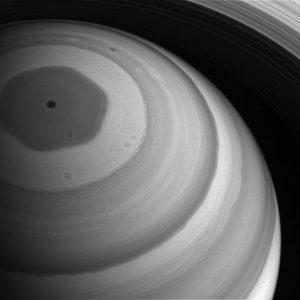 2016.12.29:土星の北極をとらえた鮮明な写真