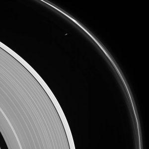 2017.08.07:冥界の入口に潜む土星の衛星プロメテウス